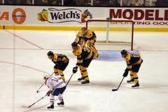 Ijshockeyspel stock foto