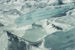Ijsijsschollen in de sneeuw Lear bevroren water Ð ¡ royalty-vrije stock fotografie