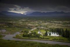 Ijslands huizen en landschap Stock Foto's