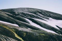Ijslands landschap Mooie bergen en vulkanisch gebied Stock Afbeelding