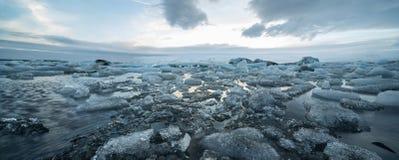 Ijslands landschap van ijzige overzeese oppervlakte Royalty-vrije Stock Afbeelding