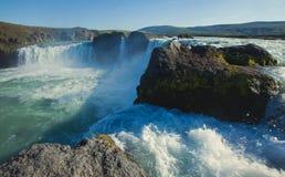 Ijslandse waterval in IJsland, Goddafoss, mooie trillende het beeldmening van het de zomerpanorama Royalty-vrije Stock Afbeelding