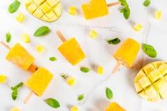 Ijslollys, Bevroren mango smoothie Royalty-vrije Stock Fotografie