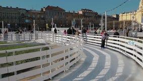Ijspark in het centrum van Zagreb stock video