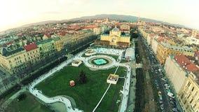 Ijspark in het centrum van Zagreb - antenne stock videobeelden