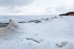 Ijspiramide op de rivier De Ob-Rivier, Siberië Stock Foto