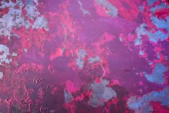 Ijzeroppervlakte met het pellen van rode verf royalty-vrije stock afbeeldingen