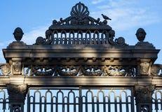 Ijzerrooster van een oude tabaksfabriek in de stad van Tarragona royalty-vrije stock afbeelding