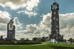 Ijzertoren en PAX-crypt in Diksmuide, België stock fotografie