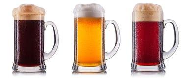 Ijzig glas geïsoleerd bier royalty-vrije stock afbeeldingen