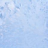 Ijzig natuurlijk patroon op de wintervenster Royalty-vrije Stock Afbeeldingen