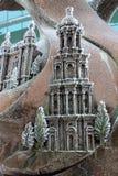 Ijzig patroon op een bronsbeeldhouwwerk Royalty-vrije Stock Afbeeldingen