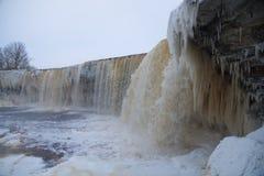 Ijzige waterval scape Stock Afbeeldingen
