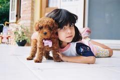 Ik houd van mijn kleine hond Stock Afbeeldingen