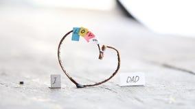 Ik houd van Papa, gelukkige, multicolored brieven en hart, het idee van de vadersdag, stock videobeelden