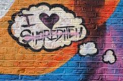 Ik houd van Shoreditch op een bakstenen muur Stock Foto's
