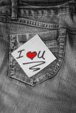 Ik houd van u post-itnota met een rood hart Stock Foto