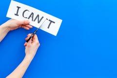 Ik kan concept Motiveer youself, geloof in zich De hand sneed de brief t van geschreven woord af ik ` t door sciccors kan stock afbeelding