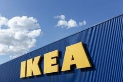 Σημάδι της IKEA σε έναν τοίχο Στοκ Φωτογραφία