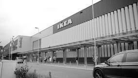 Ikea ravissent avec des clients banque de vidéos