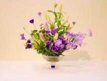 Ikebany kwiatu przygotowania obraz stock