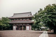 Ikegami Honmon-ji świątynia i stara historyczna Japońska wejściowa brama Obraz Stock