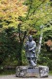 Ikkyu的古铜色雕象在Shuon-an Ikkyuji寺庙的 免版税库存图片
