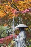 Ikkyu, Kyotana的古铜色雕象在Shuon-an Ikkyuji寺庙的 免版税库存照片