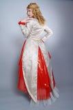 Iklädd exklusiv klänning för härlig brud Arkivbild