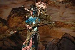 """Iklädda svarta för Opera"""" för Peking för harneskgeneraler Yang Qiniang- generaler kvinnor av Yang Familyâ € royaltyfria bilder"""