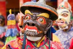 Iklädd maskering för tibetan lama som dansar Tsam gåtadans på buddistisk festival på Hemis Gompa Ladakh norr Indien Fotografering för Bildbyråer