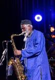 Ikona światowy jazz - Pharoah Sanders ikona Quartetet żywy na scenie Kijow Centre przy lato festiwalem jazzowym w Krakow Obraz Royalty Free