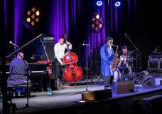 Ikona światowy jazz - Pharoah Sanders ikona Quartetet żywy na scenie Kijow Centre przy lato festiwalem jazzowym w Krakow Fotografia Royalty Free