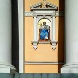 Ikone am Eingang zur Kirche Stockfotografie