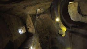 Ikonen auf georgischer Kirche der Wände stock footage
