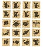Ikonen auf zerknittertem Papier Stockbilder