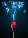 Ikonen des Sozialen Netzes, die aus elektrische Leitung herauskommen Lizenzfreie Stockbilder