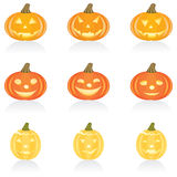Ikonen-gesetzter Halloween-Kürbis Stockbild