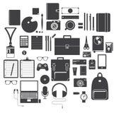 Ikonen-Satz der Büroeinrichtung, des Reise-Geräts und des Hobbys im flachen Design, Vektor Lizenzfreies Stockfoto