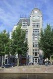 Ikonenhafte alte Villa im historischen Kanalgurt, Amsterdam, die Niederlande Lizenzfreies Stockfoto