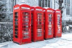 Ikonenhafte British Telecom-Telefonzellen Lizenzfreies Stockbild