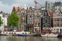 Ikonenhafte Szenen von Amsterdam, das Kanäle zeigt Lizenzfreie Stockfotografie
