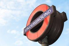Ikonenhaftes London-Untertagezeichen lizenzfreies stockfoto