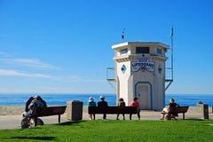 Ikonowy życia strażowy wierza na Głównej plaży laguna beach, Kalifornia fotografia stock