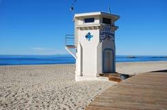 Ikonowy życia strażowy wierza na Głównej plaży laguna beach, Kalifornia obrazy stock