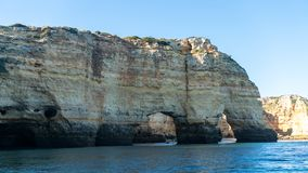 Ikonowy naturalny słonia Elefante łuk Praia da Marinha w Algarve, Portugalia Fotografia Stock
