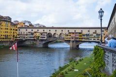 Ikonowy Vecchio most w Florencja nad rzecznym Arno 12, 2017 dzwonił Ponte Vecchio, FLORENCJA, WŁOCHY, WRZESIEŃ -/- Zdjęcie Royalty Free
