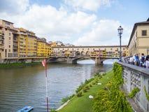Ikonowy Vecchio most w Florencja nad rzecznym Arno 12, 2017 dzwonił Ponte Vecchio, FLORENCJA, WŁOCHY, WRZESIEŃ -/- Zdjęcia Royalty Free