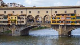 Ikonowy Vecchio most w Florencja nad rzecznym Arno dzwonił Ponte Vecchio Obraz Stock
