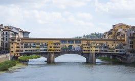 Ikonowy Vecchio most w Florencja nad rzecznym Arno dzwonił Ponte Vecchio Obrazy Royalty Free